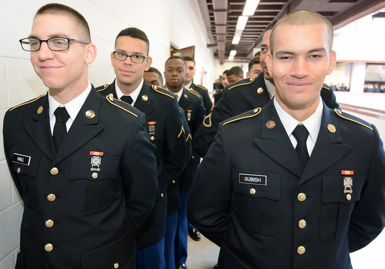 Mission Thanksgiving Army trainees
