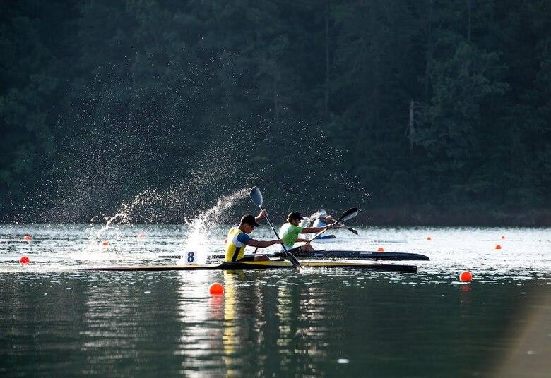 Airmen competes in kayak race