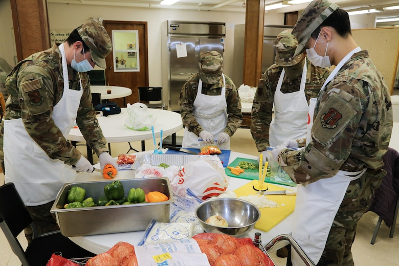 Air National Guard volunteers assist Mat-Su Valley kitchen