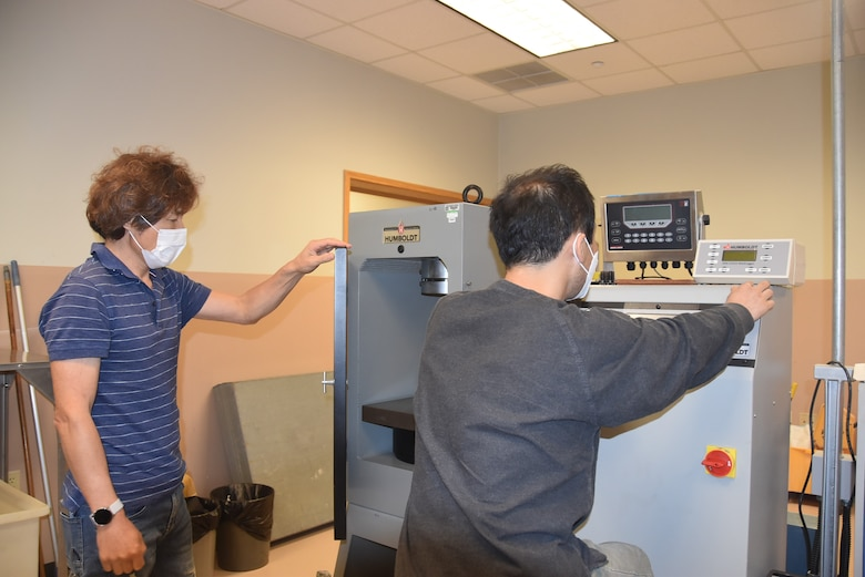 An inside look at the Geotechnical and Environmental Engineering Materials Testing Lab. Their lab is the only commercial lab in Korea that has been confirmed to the ASTM (American Society for Testing and Materials).