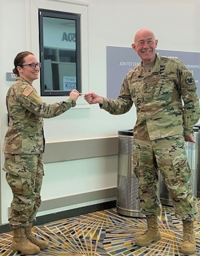 U.S. Army Reserve Dietitian/Nutrition Care Specialist served as part of the medical COVID-19 response effort in Detroit