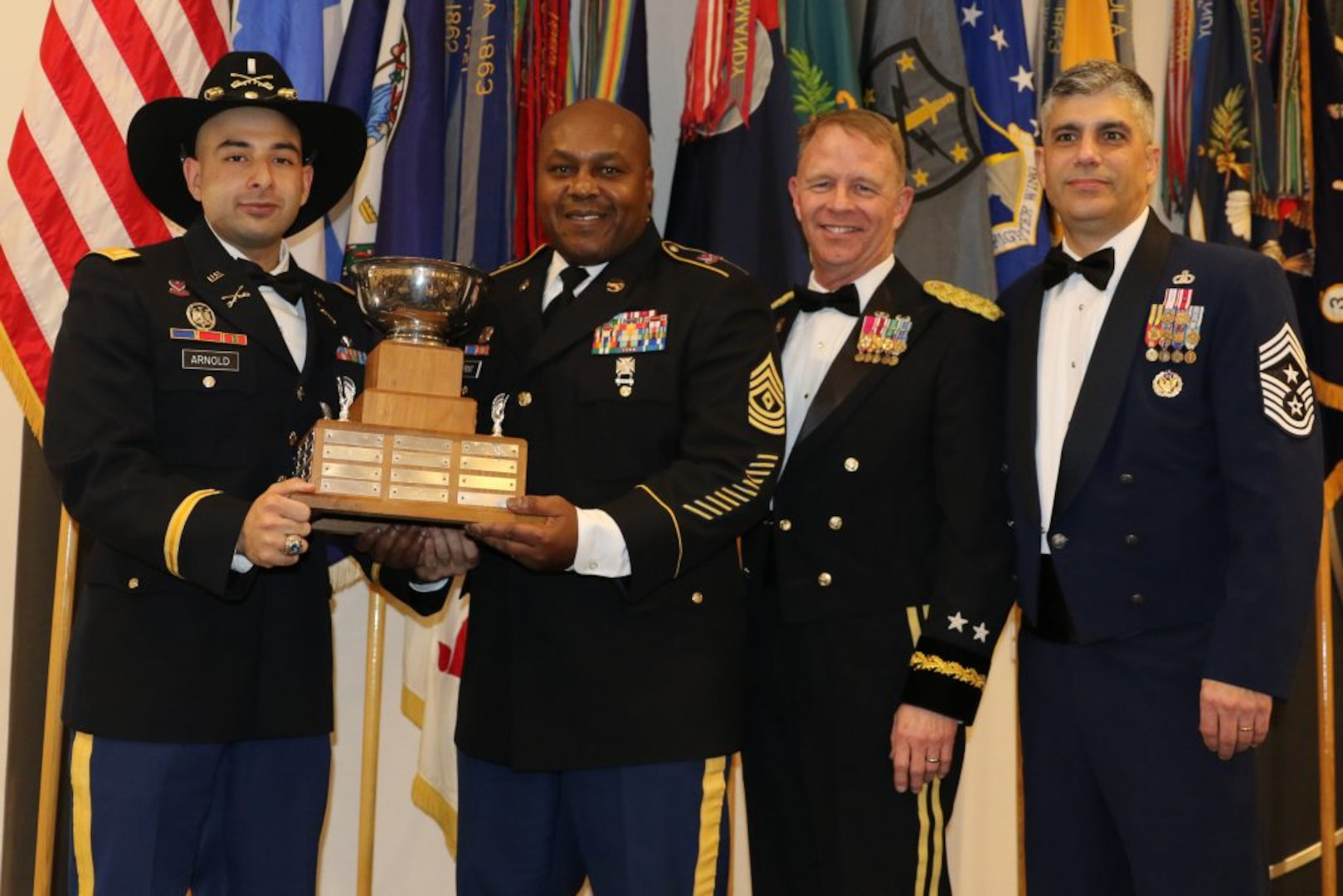 Top VNG units, personnel recognized at 2020 Virginia Military Ball