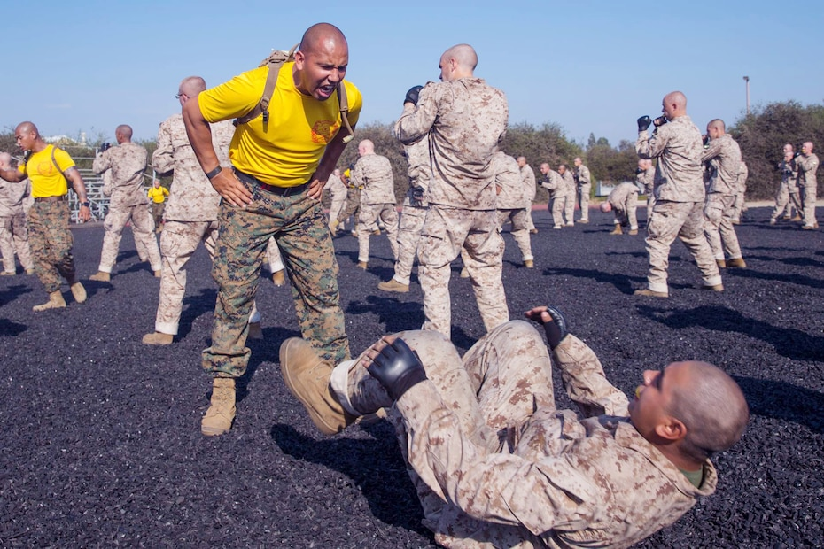 Recruits with Golf Company, 2nd Recruit Training Battalion, participate in a Marine Corps Martial Arts training session at Marine Corps Recruit Depot San Diego, Oct. 5, 2020.