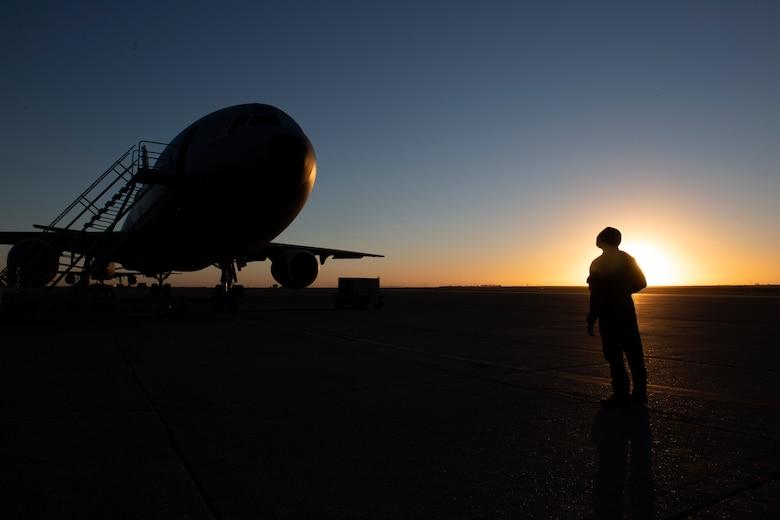 photos of KC-10 refueling training