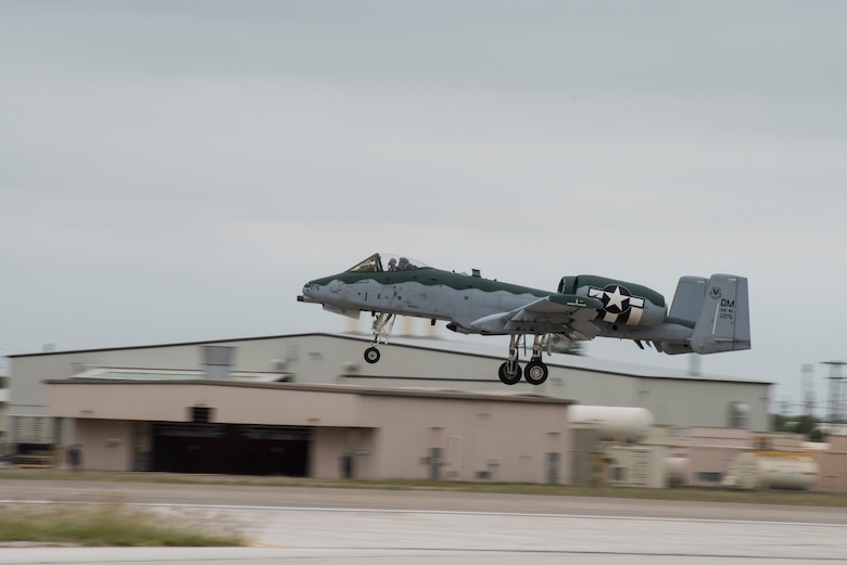 An A-10 Thunderbolt II, from the A-10 Demonstration Team, Davis-Monthan Air Force Base, Ariz., lands at Laughlin Air Force Base, Texas on Oct. 13, 2020. They spent a week touring the Air Force's Specialized Undergraduate Pilot Training bases to demonstrate their aircraft and to brief students in training on their capabilities. (U.S. Air Force photo by Senior Anne McCready)