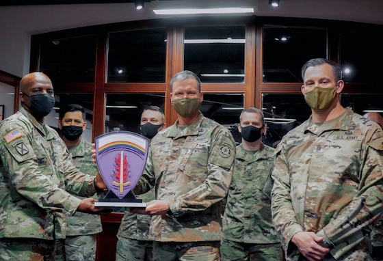 2CR receives the 'USAREUR Commanding General's Retention Excellence' Award