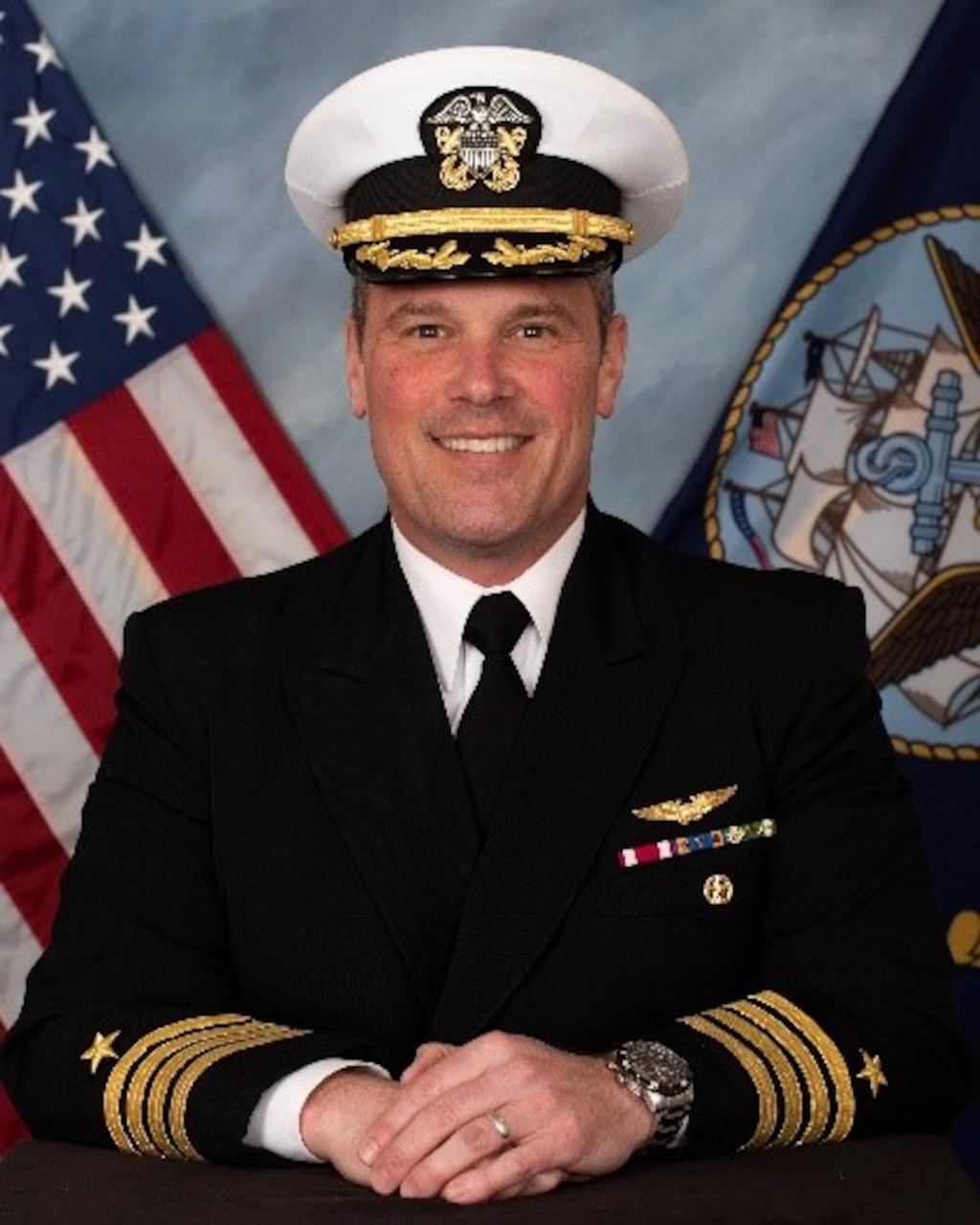 Official biography photo of Capt. Daniel Quinn, deputy commander, Strike Fighter Wing, U.S. Pacific Fleet.