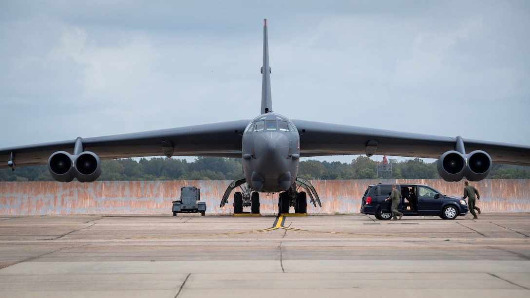 A 2nd Bomb Wing aircrew runs to a B-52H Stratofortress before take off during Global Thunder 21 at Barksdale Air Force Base, La., Oct. 23, 2020. Testing our readiness to confront uncertainty ensures we maintain a safe, secure, effective and ready strategic deterrent force. (U.S. Air Force photo by Senior Airman Lillian Miller)