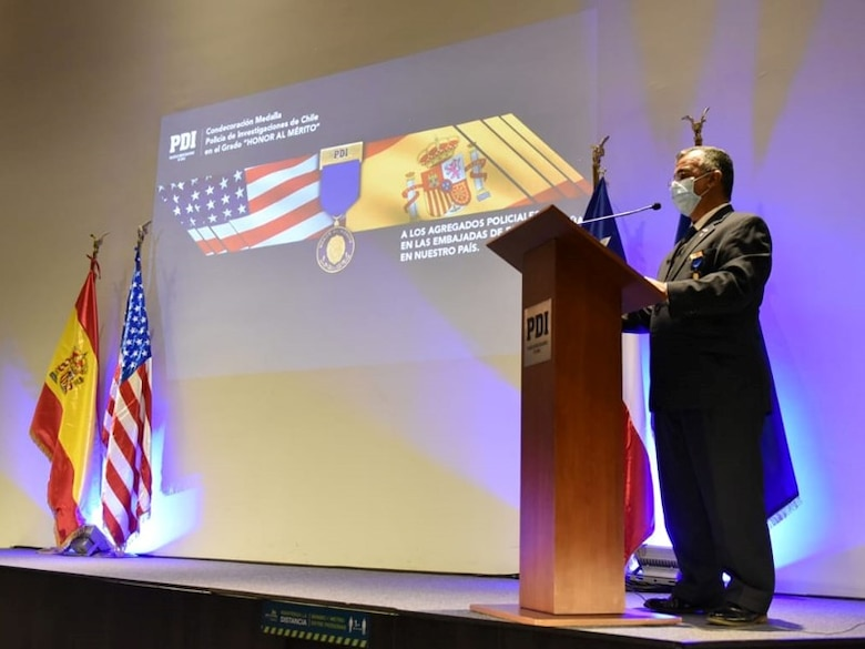 Office of Special Investigations Special Agent in Charge Carlos Vargas, Force Protection Detachment 7, Santiago, Chile, delivers thank you remarks Oct. 13, 2020, upon receiving that country's  