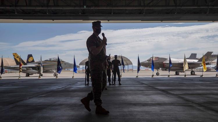 2020年10月16日、米海兵隊岩国航空基地で第242海兵戦闘飛行隊が正式に設立されました。この飛行隊は日米同盟と自由で開かれたインド太平洋域を支援するために設立されました。