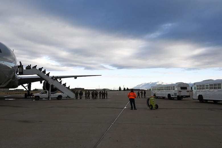 A photo of the 421st Fighter Squadron returning to Hill AFB following a deployment.