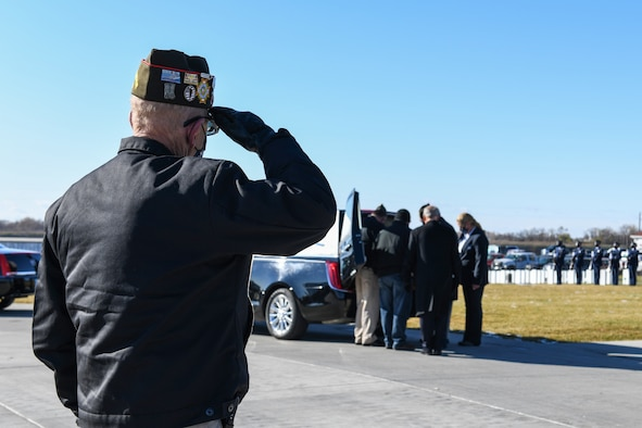 A veteran from the Fargo Veterans of Foreign Wars renders a salute to a fallen brother in arms Oct. 16, 2020, at the Fargo National Cemetary, N.D. Veterans from across the sate and many other supporters showed up to honor an unclaimed veteran. (U.S. Air Force photo by Ashley Richards)
