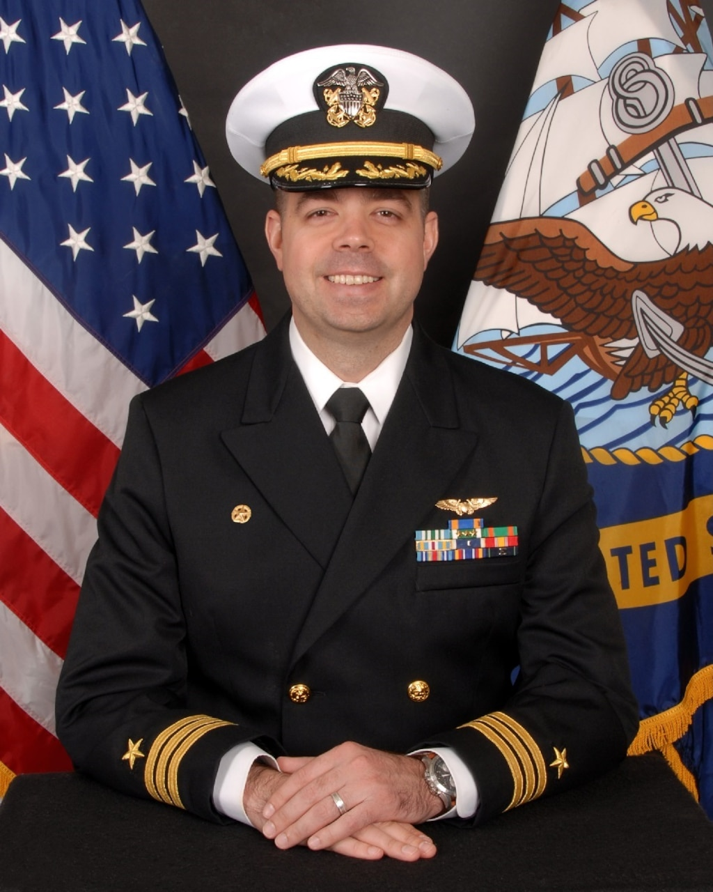 Official biography photo of Commander Nicholas Lunsford, CO- VQ-1.