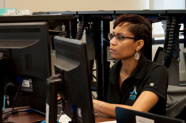 Lakisha Robertson, an Air Force Civilian Service Talent Acquisition consultant, chats with candidates virtually during a hiring event in 2019. To fill program manager positions at Hanscom Air Force Base, Mass., the Air Force Life Cycle Management Center is hosting a digital hiring event Sept. 16 and 17
