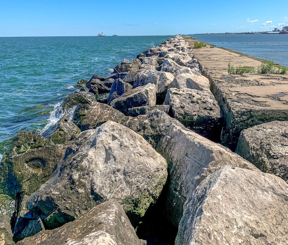 The Cleveland Harbor W. Breakwater