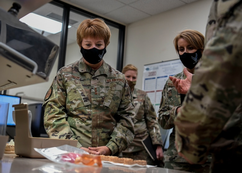 Lt. Gen. Dorothy A. Hogg, U.S. Air Force Surgeon General, visits the 377th Dental Squadron.