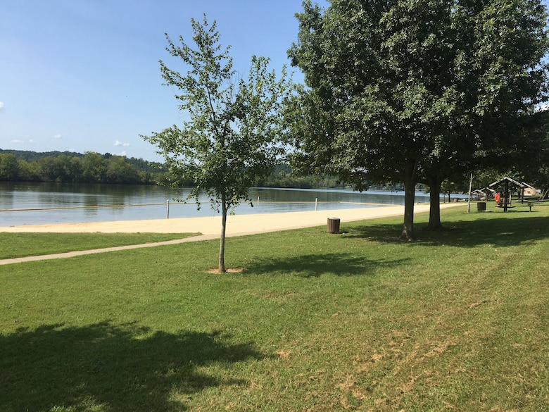 The U.S. Army Corps of Engineers Nashville District announces that the Right Bank Recreation Area Beach at Cheatham Lake in Ashland City, Tennessee, is reopened as water conditions have returned to acceptable levels. (Courtesy Asset)