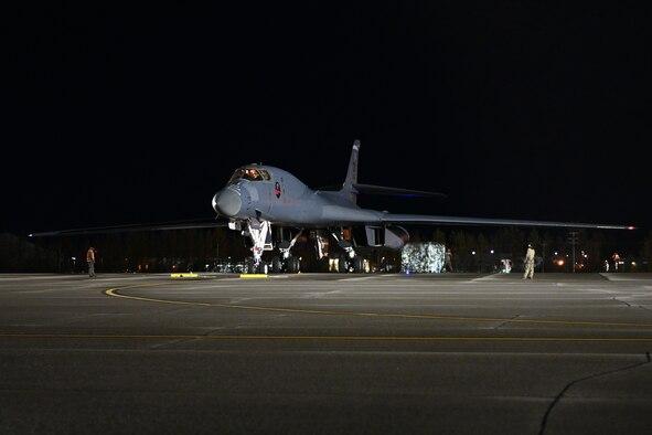 Photo of B-1 on flightline