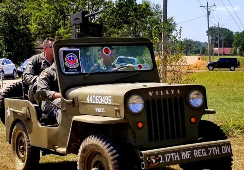 Firebirds honor WWII veteran