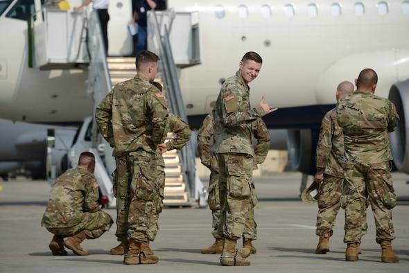 HHT 1/113th Cav Iowa National Guard departs Sioux City