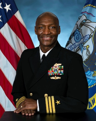 Official portrait of Cmdr. Toni Murphy, executive officer of Cryptologic Warfare Group (CWG) 6.