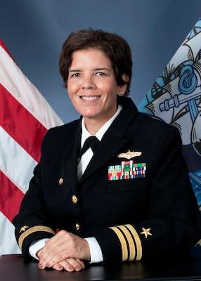 Cmdr. Suzanne T. Hubner Official Portrait