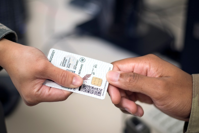 The deadline is quickly approaching for Joint Base San Antonio military members and civilians with expired or expiring common access cards.