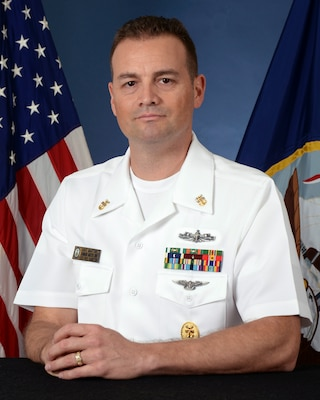 Official portrait of Master Chief David P. Martinez, command master Chief, Naval Computer and Telecommunications Area Master Station (NCTAMS) Pacific.