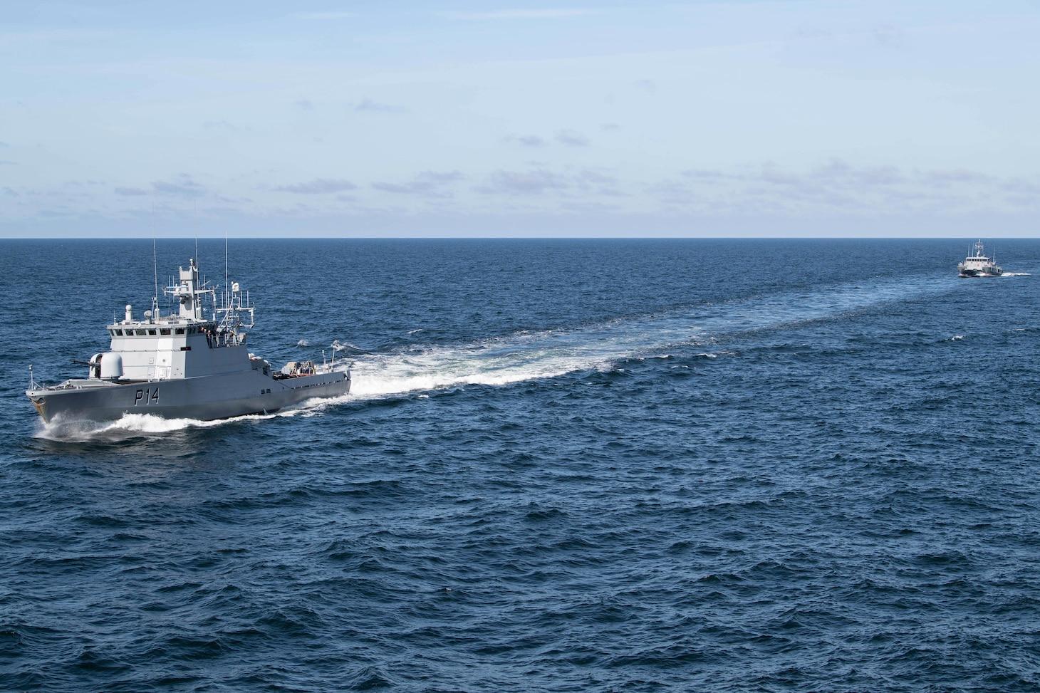 USS Ross (DDG 71); Latvian Naval Forces LVNS Skrunda (P05); Lithuanian Navy LNS Akustaitis (P14)