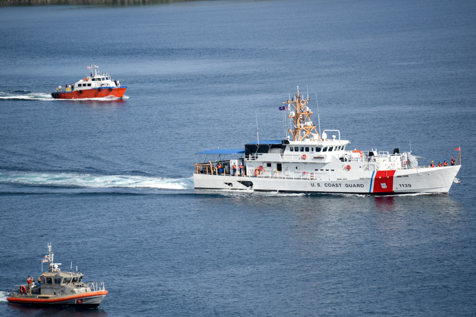 Cutter arrives at Apra Harbor