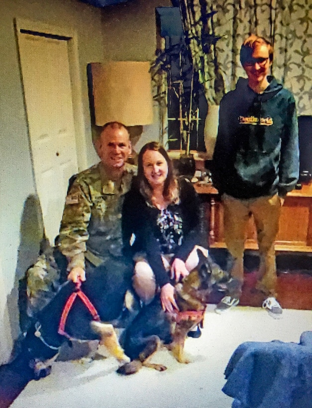 From Poland, with love: Army Reserve Soldiers return home with military rescue dogs