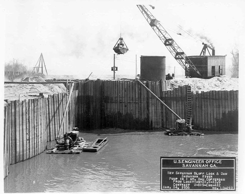 These machines inside the coffer dam continually pumped water into the river to keep the construction area dry. This is the coffer dam on the South Carolina side of the river. The dam was built inside, 1935.