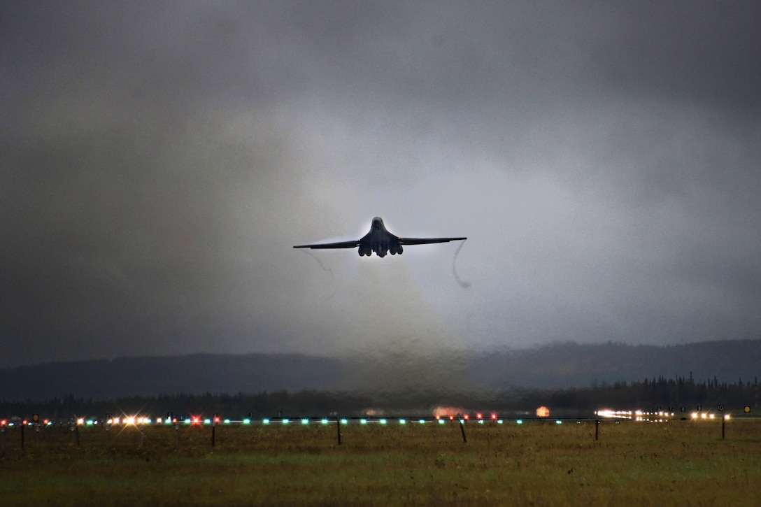 Photo of a B-1 Lancer taking off