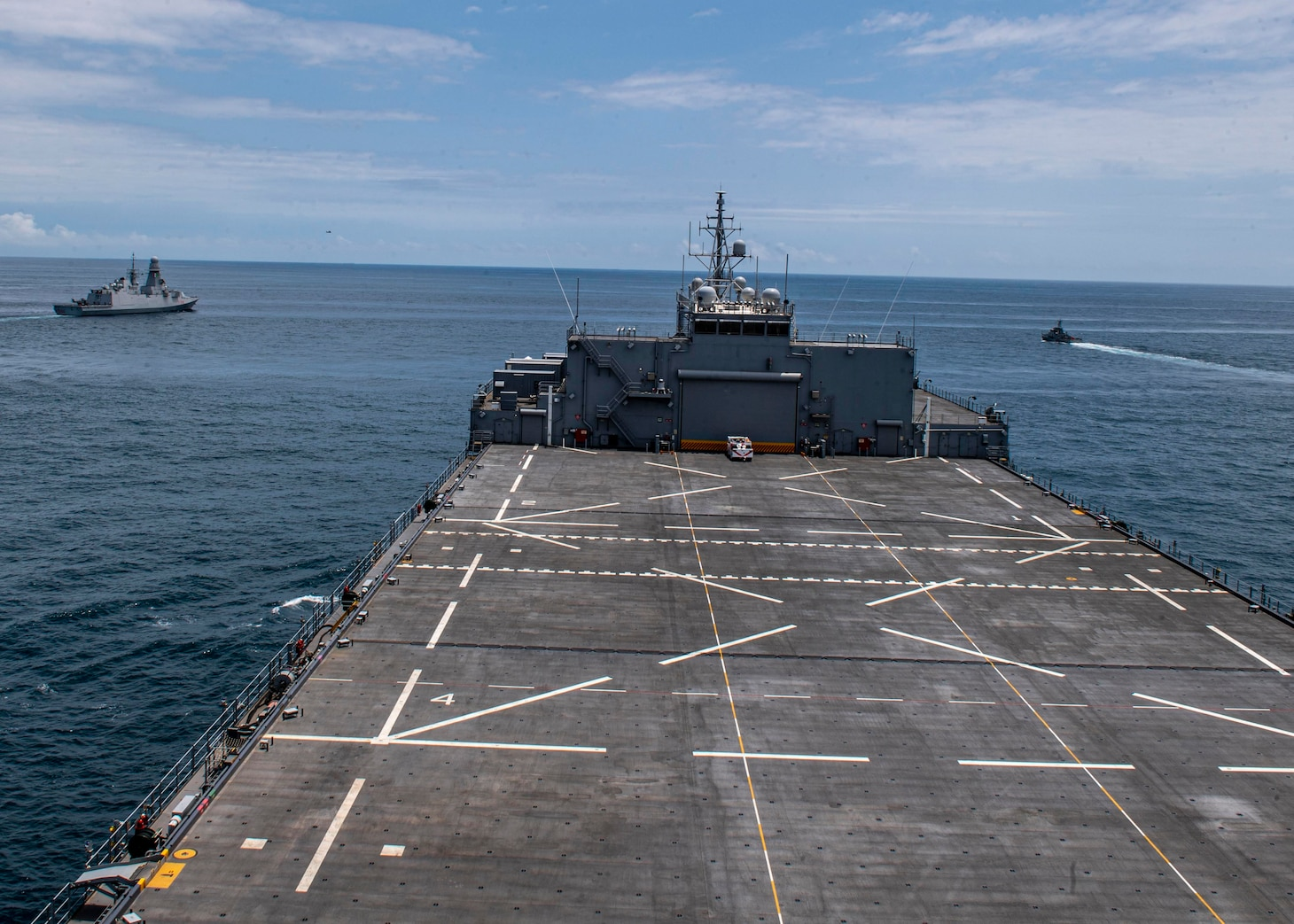 "Expeditionary Sea Base USS Hershel ""Woody"" Williams (ESB 4); Gulf of Guinea; ITS Federico Martinengo (F 596); Ghana Navy Snake-class patrol vessel Ehwor (P37)"