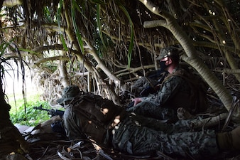 NMCB-4 prepares for beach defense operations with 3rd Marines.