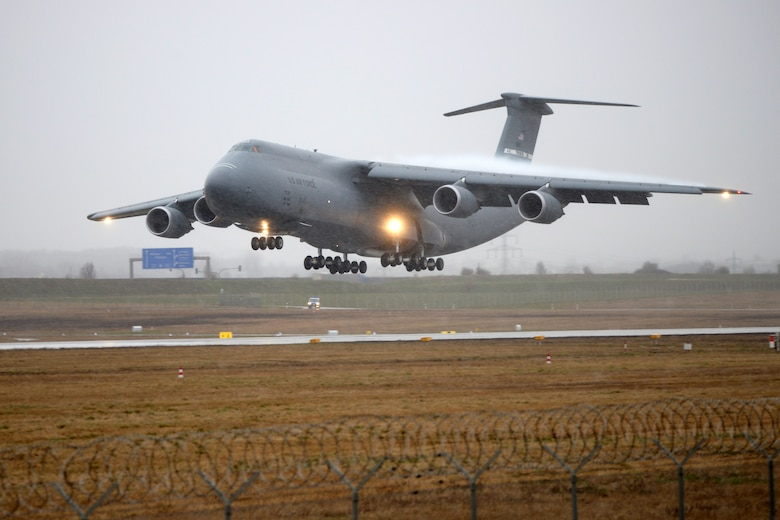 A U.S. Air Force Lockheed C-5 Galaxy aircraft arrives at the Stuttgart Army Airfield, Germany, March 2, 2016. (U.S. Army photo by Visual Information Specialist Jason Johnston/Released)