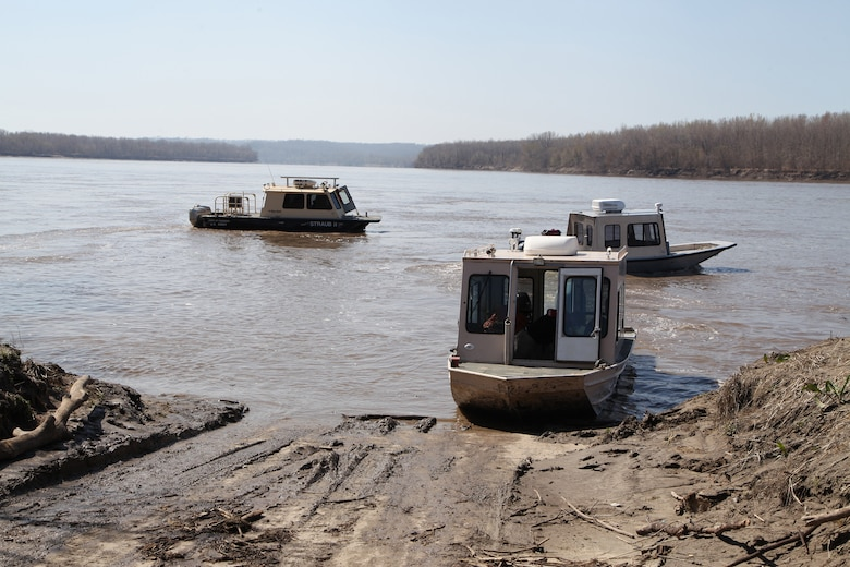 Multiple boats ferried a group from the U.S. Army Corps of Engineers and Mississippi River Commission on an inspection of the Missouri River, April 1, 2021.
