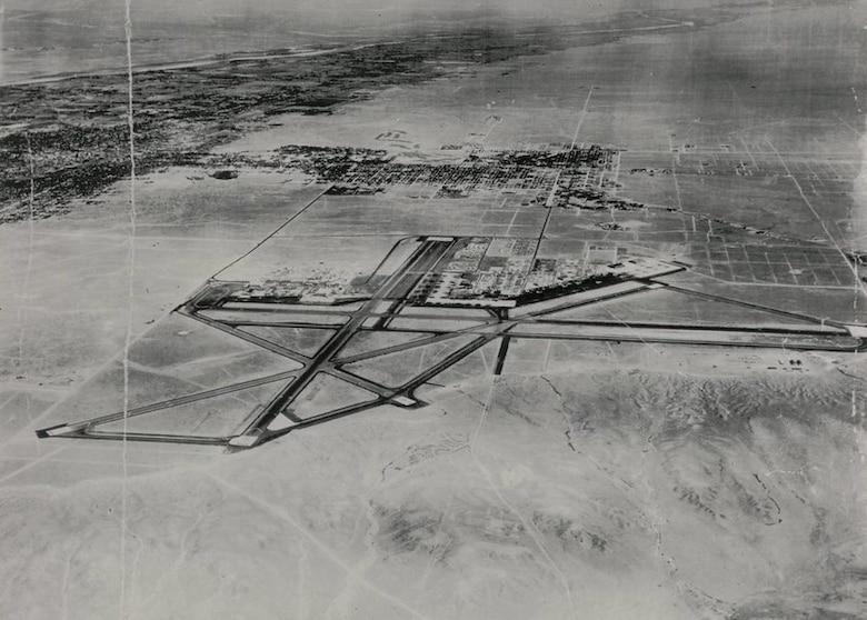 Aerial photo of Kirtland Field, N.M. in 1943.