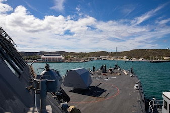 USS Sioux City (LCS 11) enters Naval Station Guantanamo Bay for refueling.