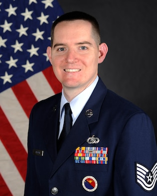 Official Bio Photo of TSgt Gregory Pflugh