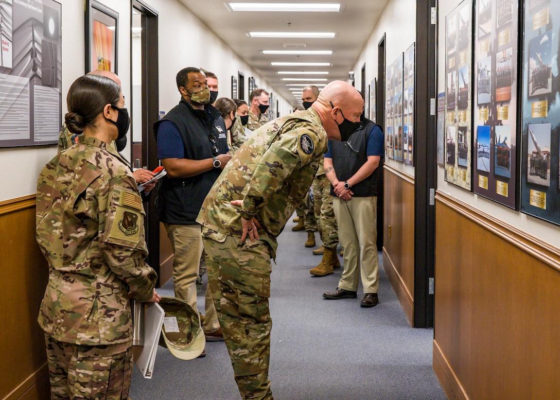 General Raymond visits Test Pilot School