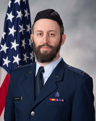 Capt. Levi Welton, 436th Airlift Wing chaplain official photo