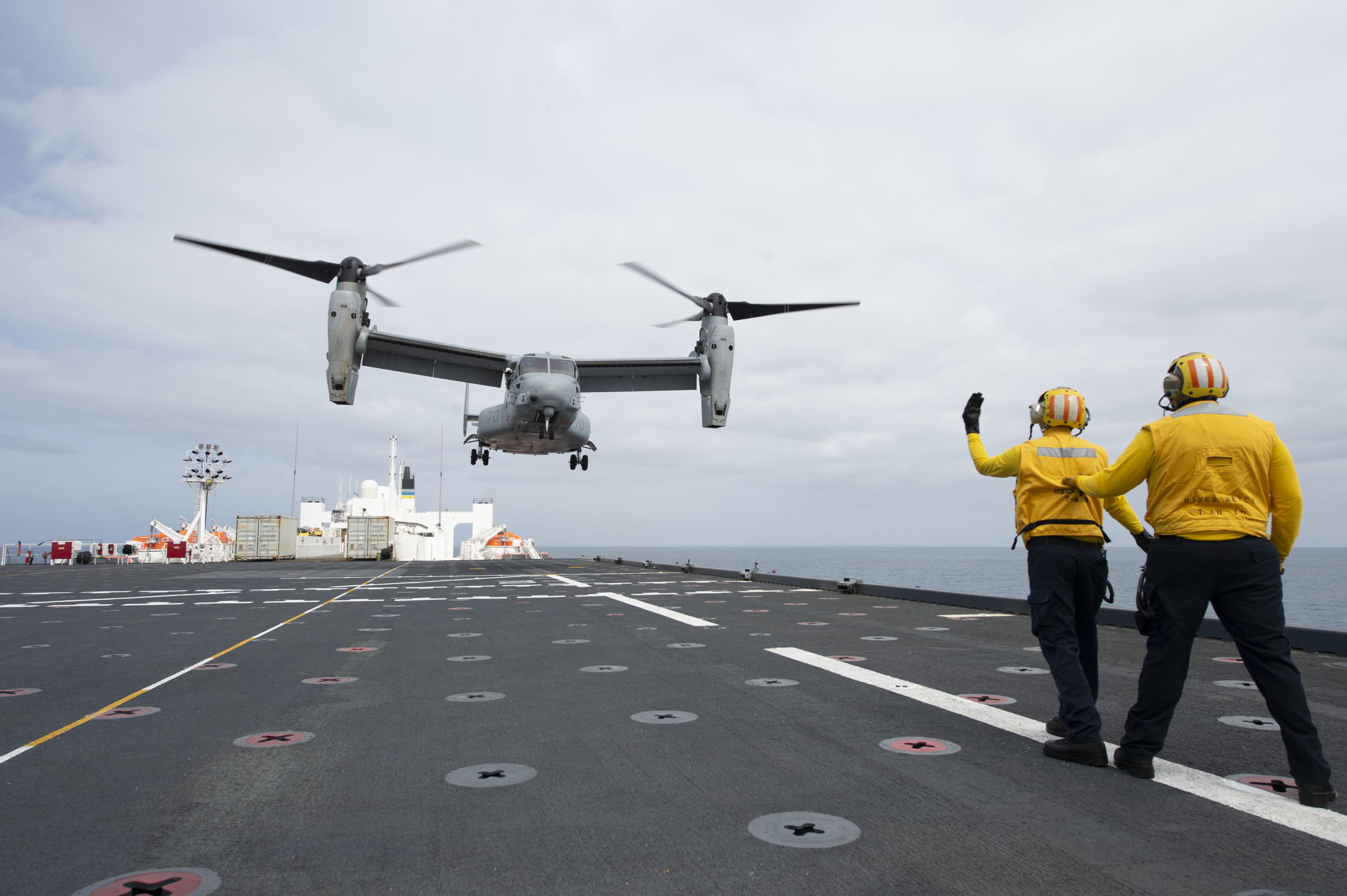 An MV-22B Osprey lands aboard USNS Mercy (T-AH 19).