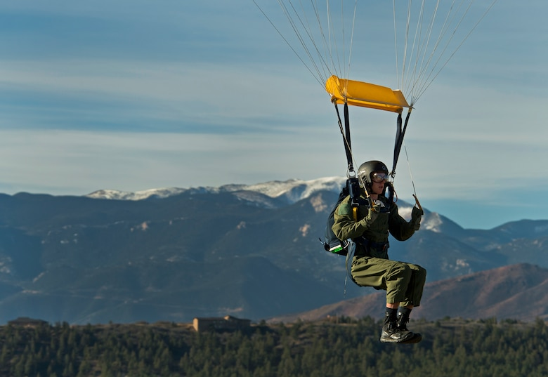 MidshipmanTaylor Vendetta, of the U.S. Navel Academy, prepares to land his first free-fall jump from the U.S. Air Force Academy's AM490 Basic Parachuting course. The AM490 students are taken to 4,500 feet and they stand in the door over Colorado Springs and the Rockie Mountains and jump. The course focuses on safety and emergency procedures to aid the students' ability to overcome their fears and perform under the extremely stressful and potentially life-threatening situations they may encounter.(U.S. Air Force photo/Tech. Sgt. Bennie J. Davis III)