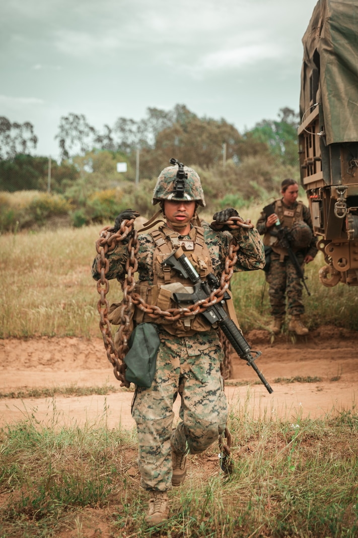 CLR-17 Marines conduct vehicle recovery drills on Camp Pendleton.