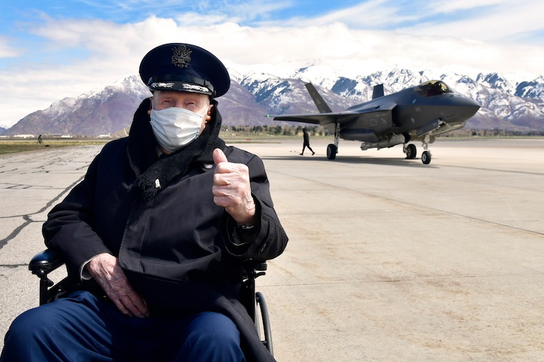 """Col. (Ret.) Gail Halvorsen, the """"Berlin Candy Bomber,"""" visits Hill AFB"""