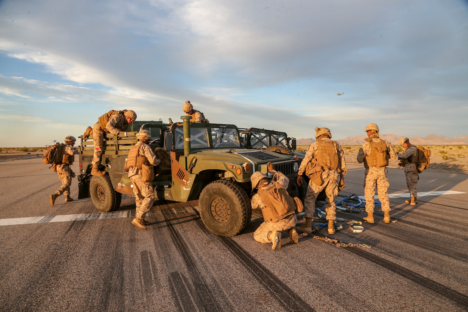 U.S. Marines assigned to Combat Logistics Battalion 13, conduct helicopter support team (HST) operations.