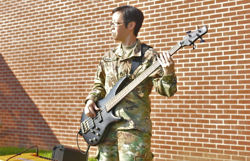 Army Reserve Soldiers win Outstanding Musician Award