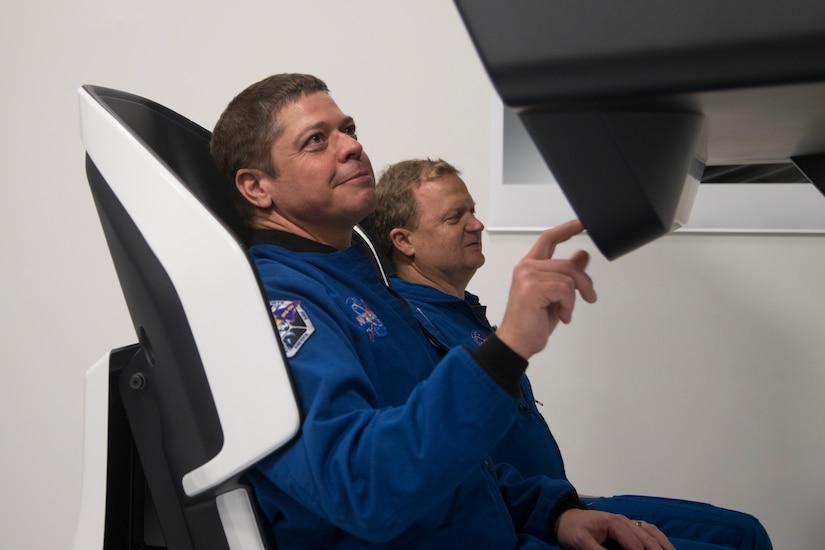 Commercial Crew Astronauts Evaluate Crew Dragon Controls