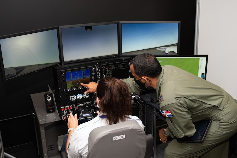 2 SELIS attendees operator a simulator